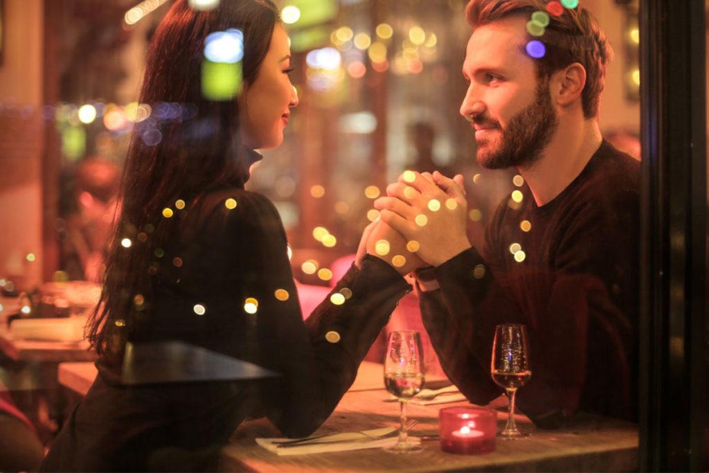 Dating ein mädchen dein freund schlug